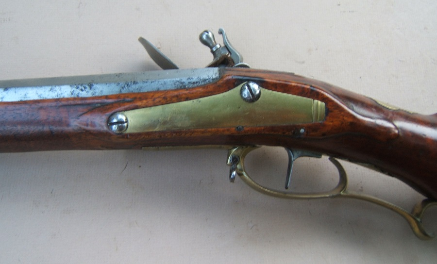 A FINE QUALITY COLONIAL PERIOD BRASS MOUNTED GERMANIC FLINTLOCK