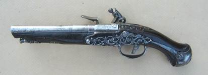 A FINE & RARE 17th CENTURY BRESCIAN/NORTHERN ITALIAN CHISELED STEEL BELT PISTOL, ca. 1690sview 2