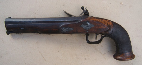 "A FINE FRENCH EMPIRE/NAPOLEONIC PERIOD RIFLED ""MUSKET-BORE"" FLINTLOCK OFFICER'S PISTOL, ca. 1810 view 2"