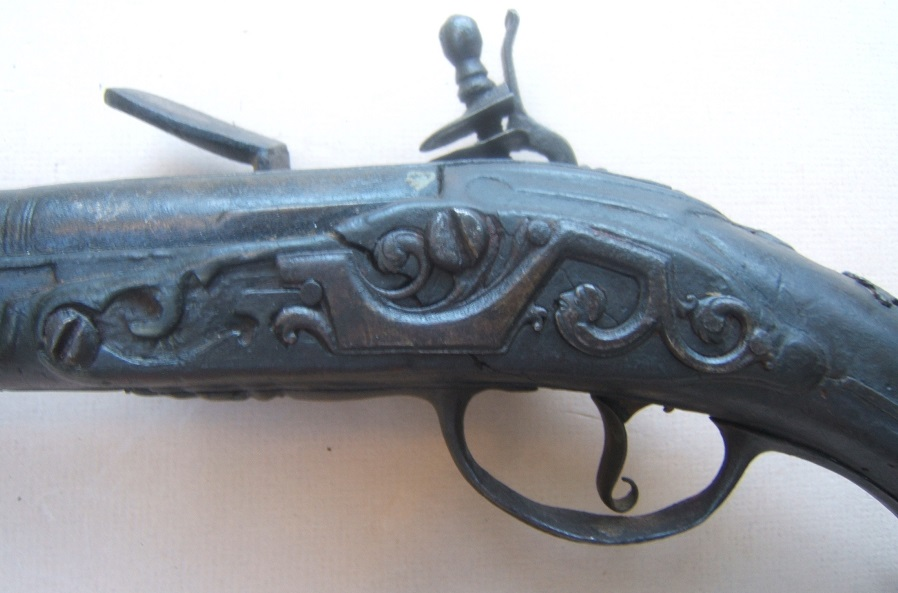 AN EARLY & RARE COLONIAL AMERICAN FLINTLOCK OFFICER'S HOLSTER/HORSE PISTOL, ca. 1740 view 4