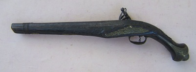 A FINE QUALITY TURKISH FLINTLOCK HOLSTER PISTOL, ca. 1840 view 2