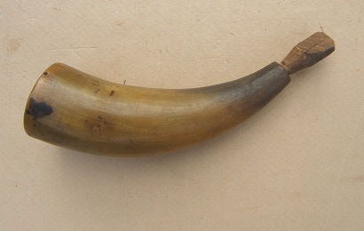 A VERY GOOD+ AMERICAN RIFLE/PISTOL-TYPE POWDER HORN, ca. 1770-1800 view 1