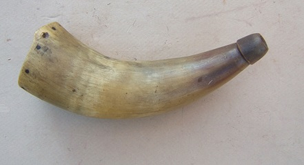 A VERY GOOD COLONIAL/FRENCH & INDIAN WAR PERIOD AMERICAN POWDER HORN, ca. 1760 view 1