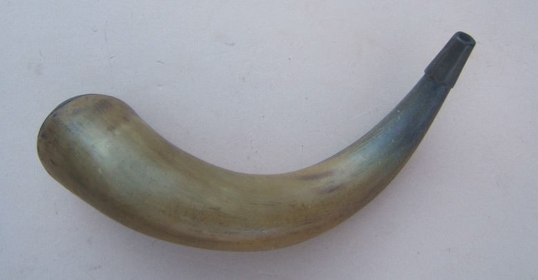 A VERY GOOD AMERICAN REVOLUTIONARY WAR PERIOD MUSKET SIZE POWDER HORN w/ CONVEX BASE, ca. 1770view 1