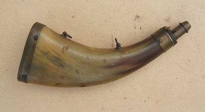 A VERY GOOD+ MID 19th CENTURY COMPRESSED/FLAT COWHORN POWDER HORN, ca. 1840 view 1