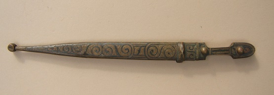 A GOOD+ LATE 19TH CENTURY GEORGIAN/CAUCUSIAN SMALL-SIZE KINDJAL DAGGER, ca. 1890 view 1