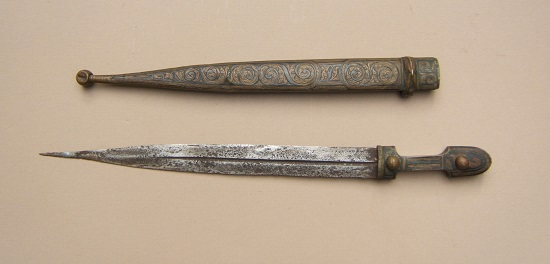 A GOOD+ LATE 19TH CENTURY GEORGIAN/CAUCUSIAN SMALL-SIZE KINDJAL DAGGER, ca. 1890 view 2