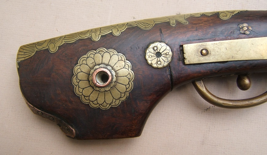 "A VERY FINE QUALITY EDO PERIOD JAPANESE SNAP MATCHLOCK ""TEMPLE"" PISTOL, ca. 1800 view5"