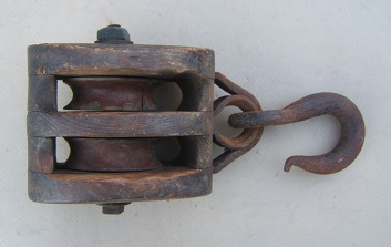 A VERY GOOD AMERICAN CIVIL WAR PERIOD AMERICAN MADE (NAVAL) BLOCK & TACKLE, ca. 1850view1