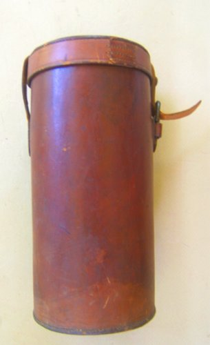 A FINE WW. II PERIOD US ORDNANCE MARKED LEATHER OPTICS CANISTER, ca. 1940 view1