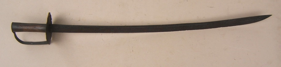 A VERY GOOD AMERICAN-MADE (NEW ENGLAND) COLONIAL/REVOLUTIONARY WAR PERIOD CUTLASS, ca. 1760 view 1